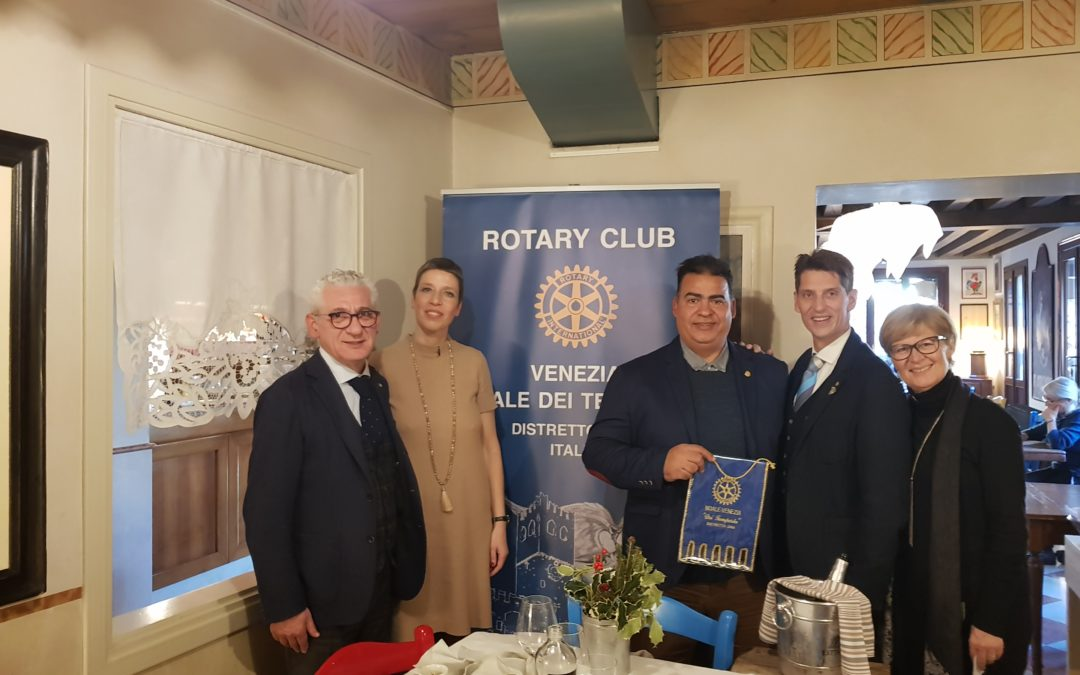 La visita del Presidente del Rotary Club di Playa del Carmen