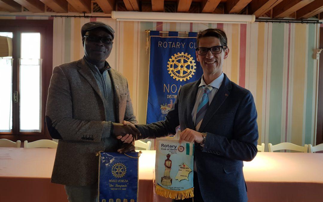 Il Rotary connette il mondo: Emanuel del Rotary Nigeria